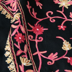 Kasu Emporium - Embroidered Wool Kashmiri Shawl