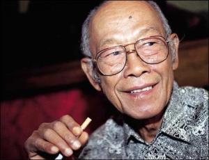 Pramoedya Ananta Toer (Photo: Alchetron)